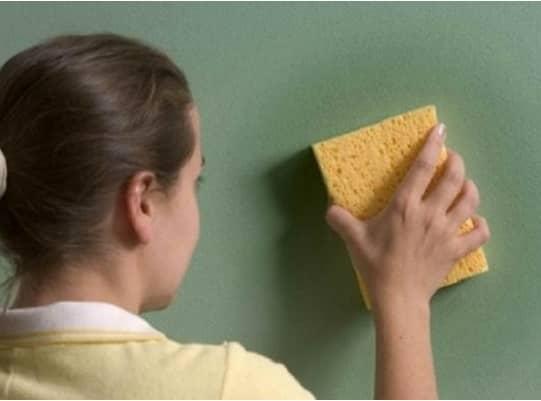 το χρωμα ξεβαφει οταν πλενεται τους τοιχους